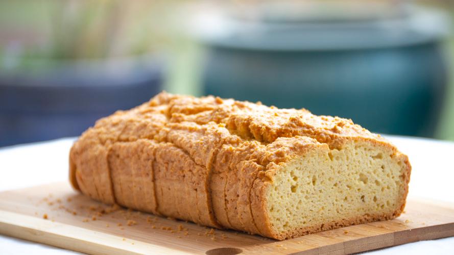 Jednoduchý low carb a keto chleba